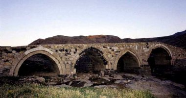 More information about Panj Cheshmeh Bridge