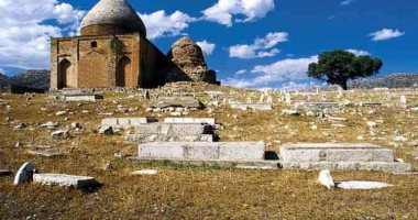 More information about Hayatol Qeib Mausoleum
