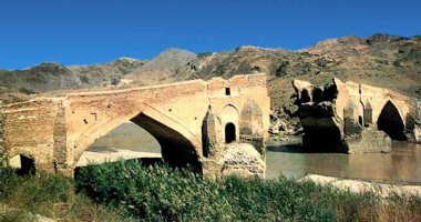 More information about Dokhtar Bridge (Kiz Bridge)