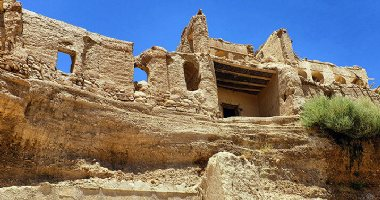 More information about Izadkhast Castle