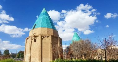 More information about Gonbad Sabz Garden (The Green Tomb)