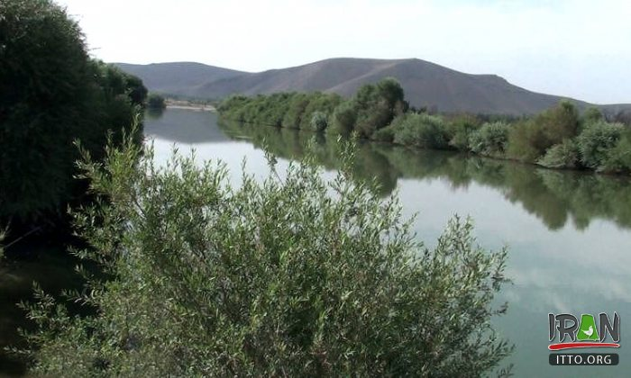 Simineh River (Siminnerud) - West Azerbaijan Province