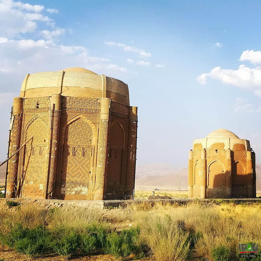 Kharaqan Tomb Towers,Kharaghan towers,Kharrakhan,Kharaqan twin tomb towers,برجهای دوقلو خرقان,kharaghan two towers,kharaqan two towers,برجهای خرقان,khargan towers,kharagan,karaghan,karaqan,karagan towers,karaqan towers,karaghan towers,استان قزوین,آوج,avaj,qazvin towers,ghazvin towers,qazwin towers,towers in avaj,ajaj towers,avaj tombs