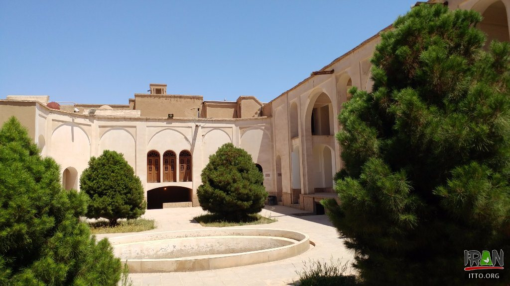 one-of-the-smaller-courtyards.jpeg,Tabatabai Historical House, Khaneh-e Tabatabaei, خانه طباطبایی کاشان,khane tabatabaei, kashan