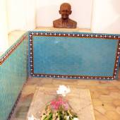 Tomb of Dr. Pirnia in Rasoulian House - Yazd